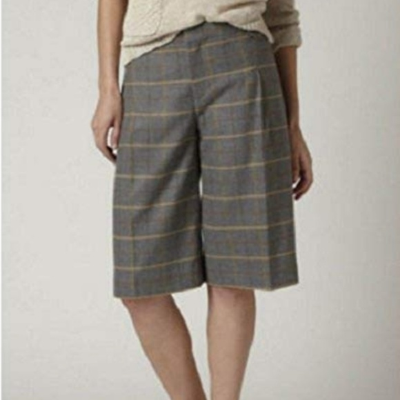 Anthropologie Pants - Plaid Pleated Bermuda Short by Cartonnier[Anthro]